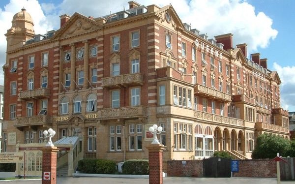 Bridge loan and refurbishment finance converted to investment loan on 220 bed hotel, Portsmouth